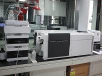 液相色谱-四级杆/飞行时间串联质谱仪(LC-Q-TOF-MS/MS)